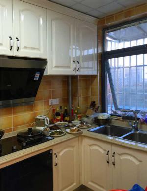 家装厨房小橱柜