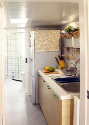 厨房小橱柜实拍图