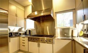 简约不锈钢厨房橱柜