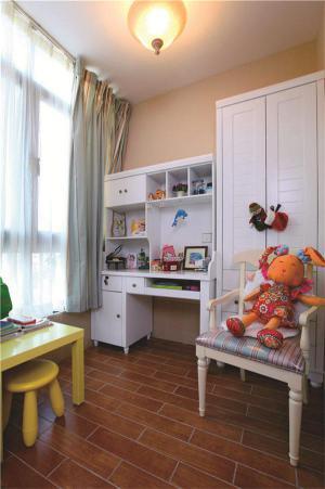 浅色系童真小孩书房装修效