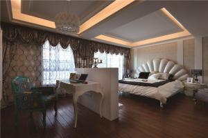 欧式奢华飘窗卧室设计图片